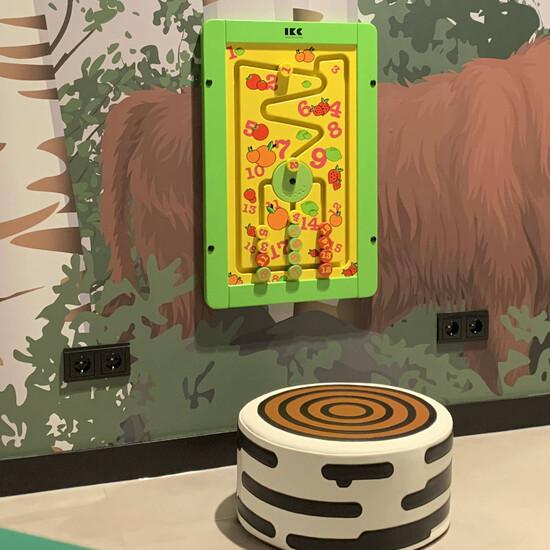 Wandspel spelmodule voor aan de wand in een wachtruimte of kinderhoek educatief cijfers leren