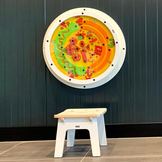 speelwiel wandspel voor aan de wand voor in een speelhoek voor kinderen of een wachruimte