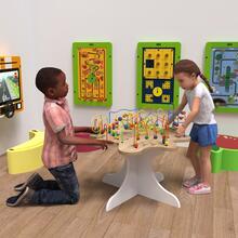Op deze afbeelding ziet u speelsysteem en kindermeubel kralentafel