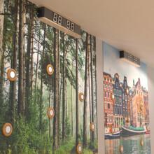 De Activity Wall is een mooie toevoeging aan de kinderhoek en zorgt voor uitdaging